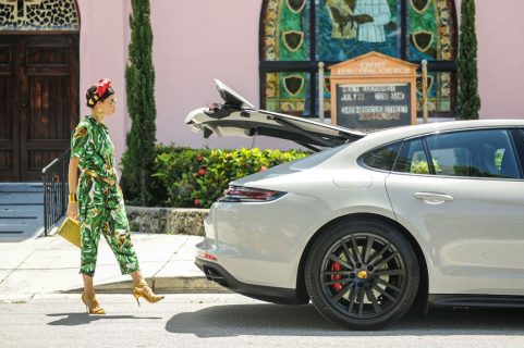 Miami based fashionista, Danié Gomez-Ortigoza @journeyofabraid to enjoy a ride in the stunning Porsche Panamera Sport Turismo GTS from THE COLLECTION Porsche
